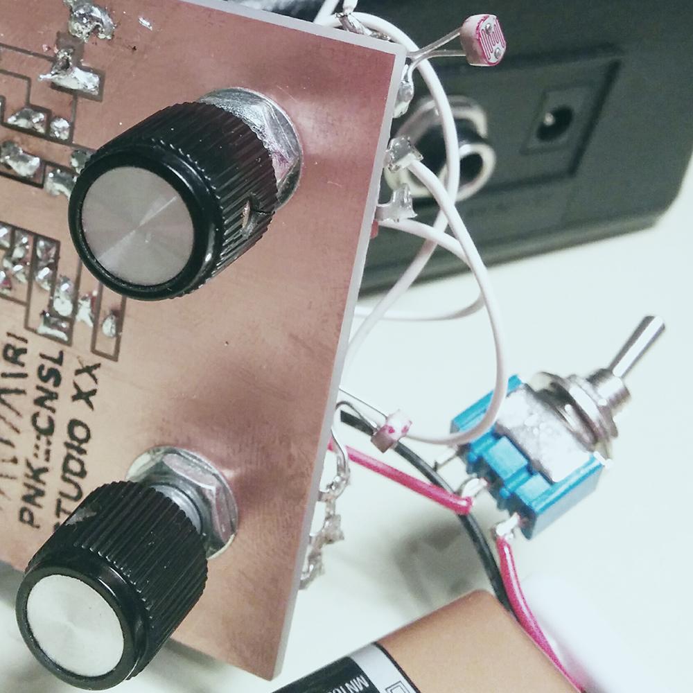 Diy Electronics For Artists Studio Xx Learn To Build The Atari Punk Console Electronic Circuits